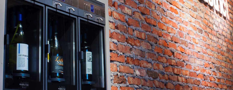 Boutique de vin GrapeDistrict - Amsterdam, Distributeur de vin au verre modèle Modular