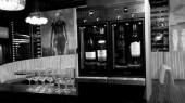 modulaire vin au verre 2 bouteilles dans un bar