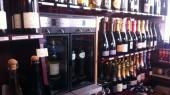 Distributeur de vin au verre chez Pasteuning Amsterdam